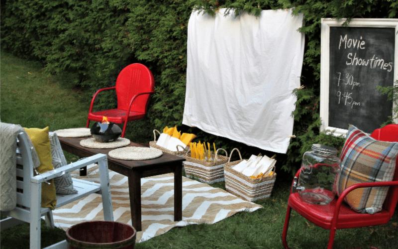 Summer activities for kids: outdoor movie night