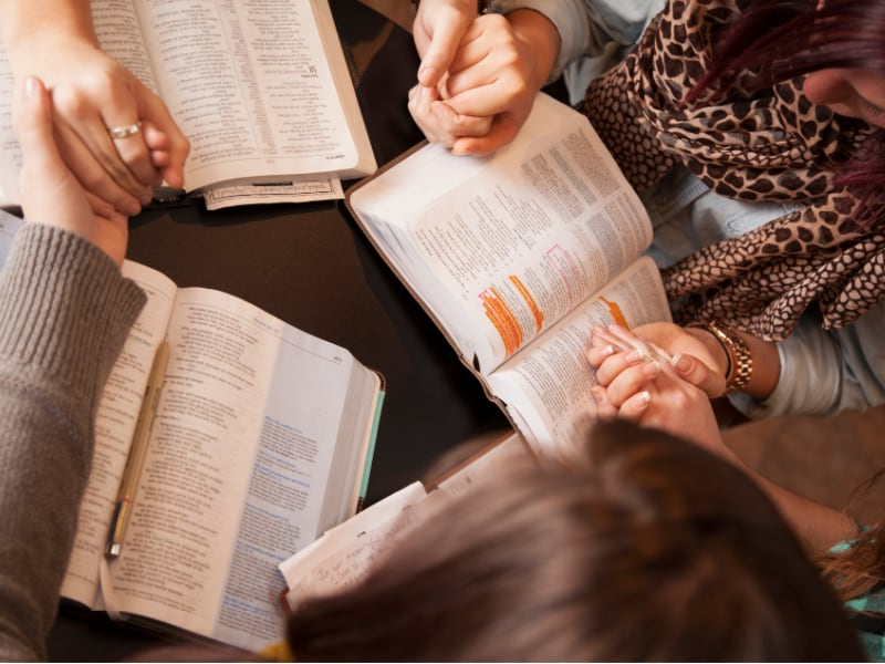 tools for studying the Bible- for women and moms
