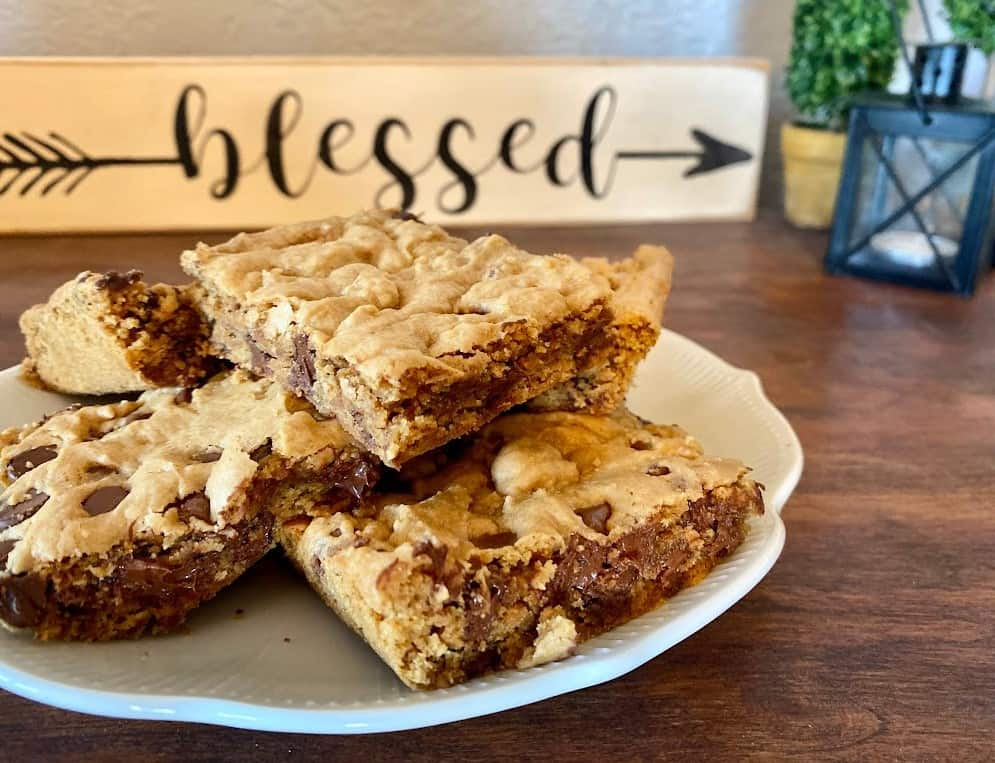 Easy cookie bar recipe with few ingredients-finished